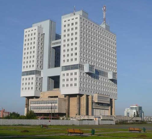 http://www.comtourist.comHouse of Soviets - /images/large/kaliningrad-07/kaliningrad-house-of-soviets-01.jpg