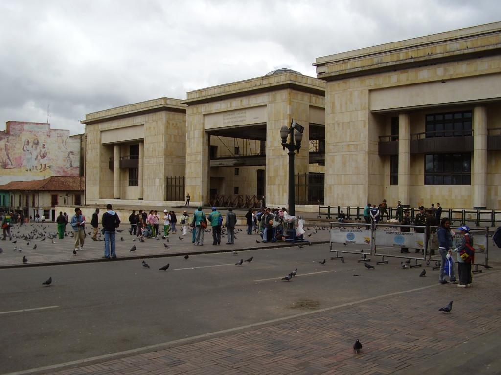 Plaza de Bolivar Reisetips BogotaCartagena Columbia