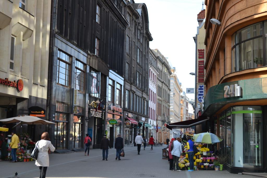 I Latvia er den bilfrie og barnevennlige gamlebyen i Riga er et fantastisk reisetips for familier