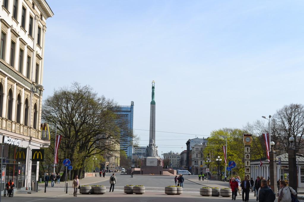 Brivibas betyr Frihetsmonument på latvisk. Brivibas er verdt et besøk når du er i Riga
