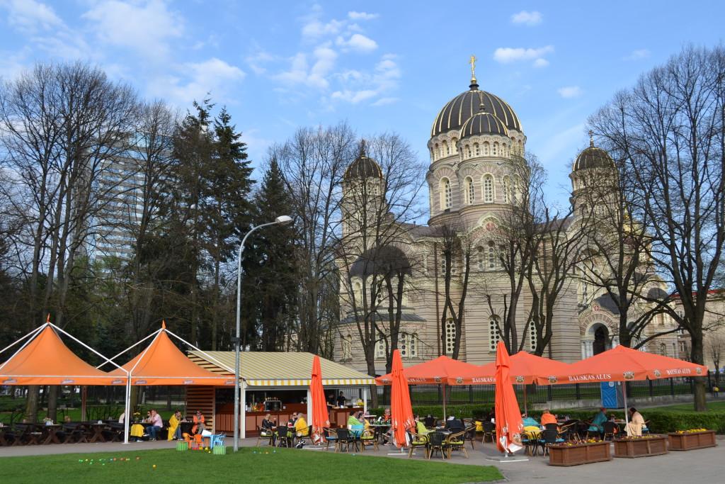 Russisk ortodoks katedral i Riga Latvia bør ses når du er på helgetur med familie eller venner