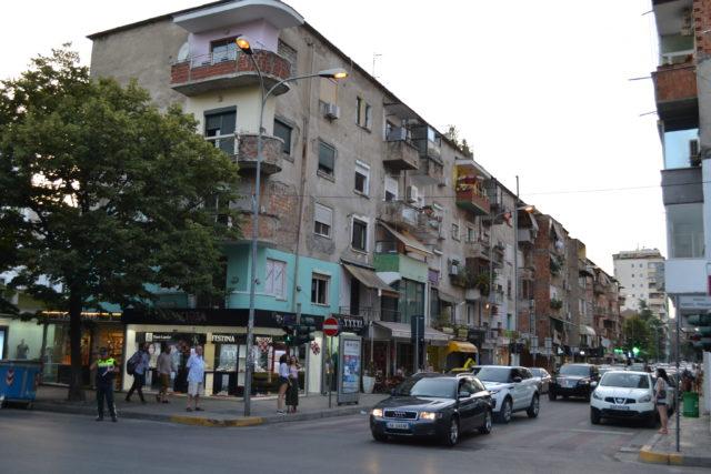 Reise på ferie til Albania og Tirana på Balkan med familie og barn